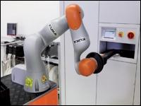 Robot kuka typu lbr iiwa optimalizuje osazovací linky smt pro elektronický průmysl.jpg
